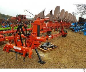 GREGOIRE BESSON SPWB9 Semi-Mounted Plough 7 furrow (6+1) hyd variwidth