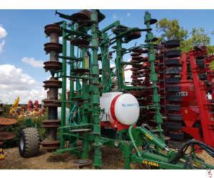 COUSINS 8 Metre Trailed Oil Drill, 2015, Low Disturbance Strip-Till Subsoiler with Liquid Fert Applicator & Seeders