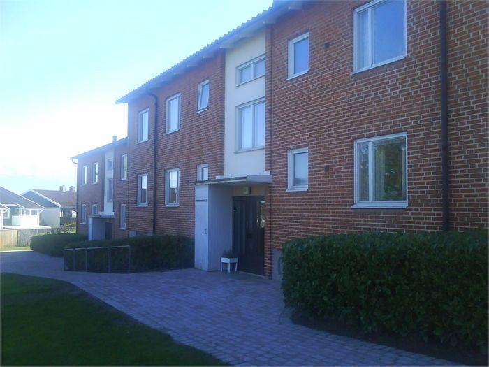 Lägenhet på Bivägen 5A i Båstad