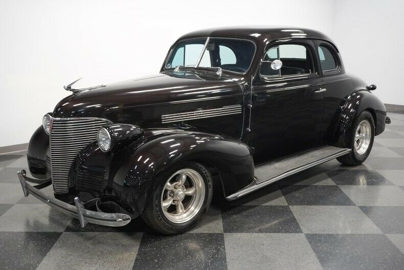 low miles 1939 Chevrolet Deluxe hot rod