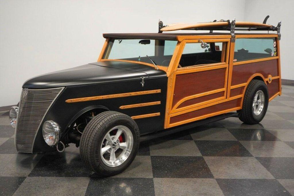 1937 Ford Woody Wagon hot rod [surfer's dream]
