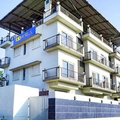 FabHotel Shree Sai Residency