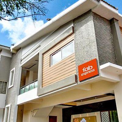 Hotel SRJ Thaneesh Residency