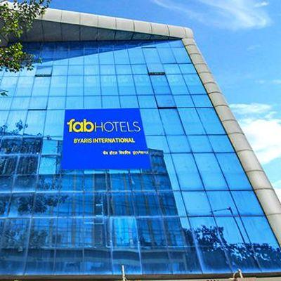 FabHotel Byaris International