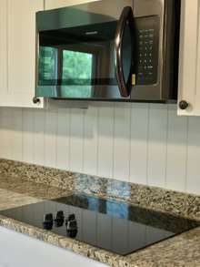 Frigidaire Microwave and cooktop