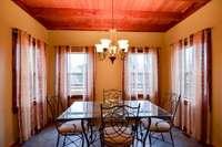 Splendid eating breakfast room