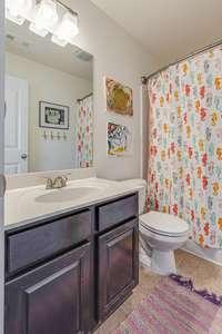 2nd ensuite bath has Tub / Shower Combination