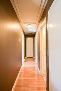 Hallway to bedrooms and baths