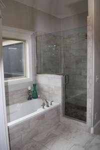 Primary Bathroom Tub/Shower