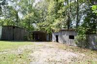 2 stall barn (shed)