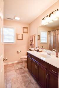 Large full bath, shower/tub combo