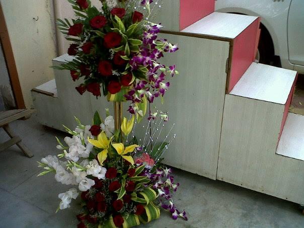 3 Feet Flowers Basket