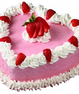 1 KG Heart Shape Strawberry Cake