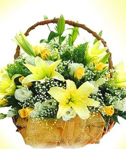 15 Yellow Lillies & Roses