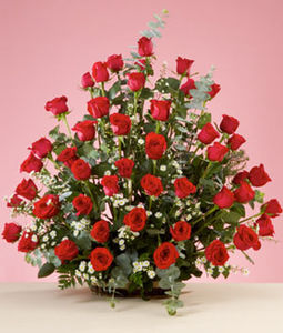 50 Red Rose Round Basket