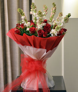Red Roses & Tuberose Bouquet