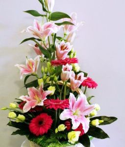Classic Round Mix Flowers Arrangement