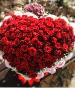 Stylish 100 Red Roses Heart Arrangement
