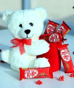 Teddy Bear and 5 KitKat Combo