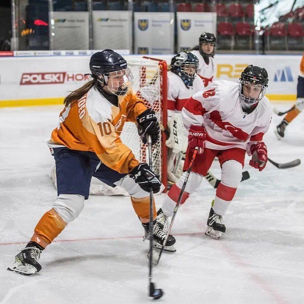 Een monsterscore voor @teamnlwomenshockey.…