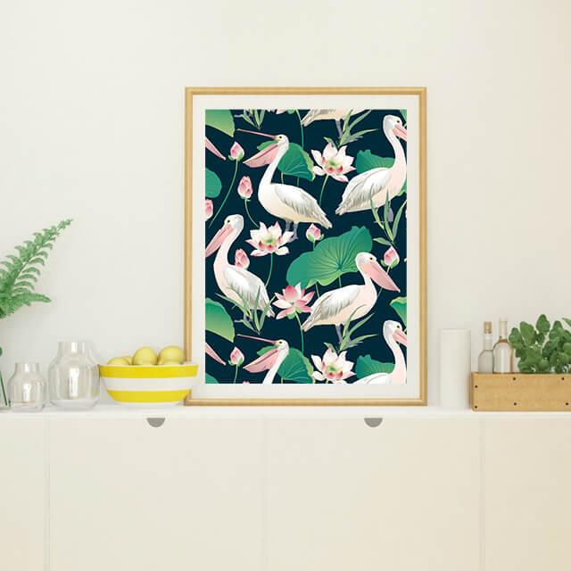 Pelícanos con flor