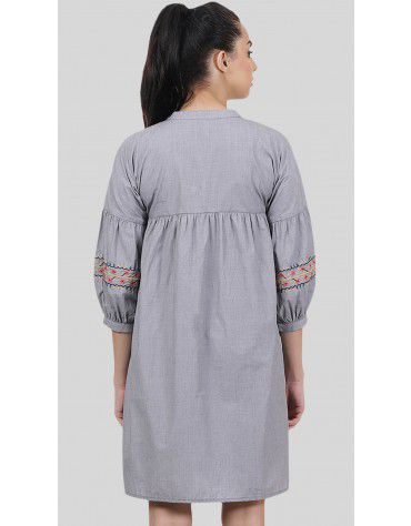 SbuyS - Front Embroidered Midi Dress