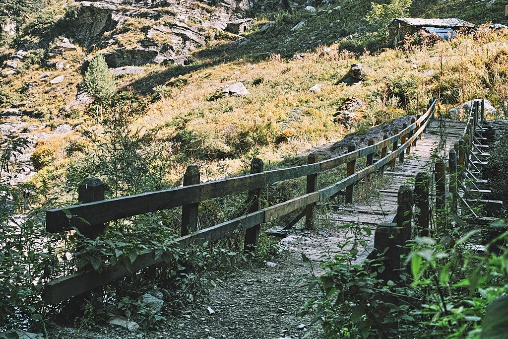 The bridge leading to Channi campsite