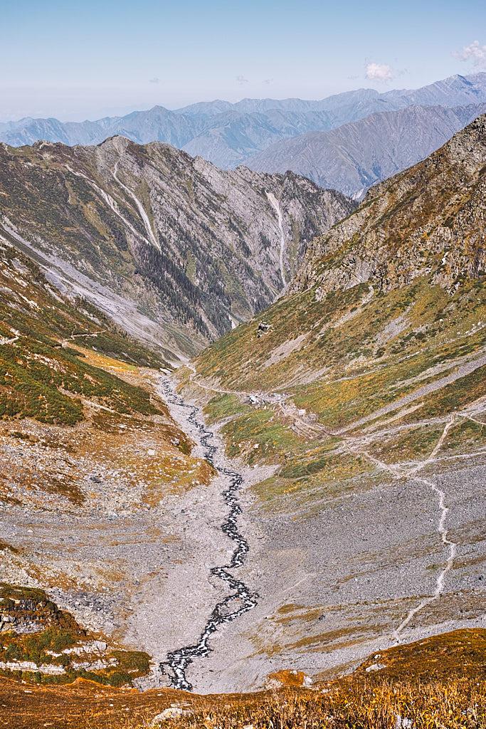 The trail from Dhancho via Sundarsi to Mani Mahesh