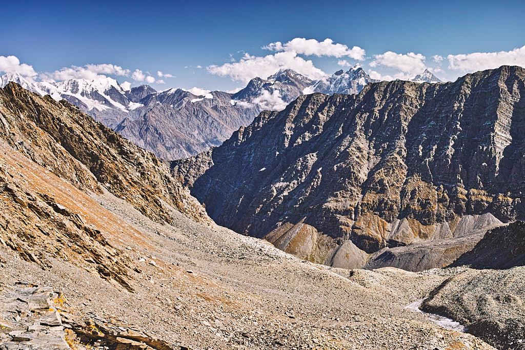 The moraine filled route on the Mani Mahesh to Kalah Pass (Himachal Pradesh) trek