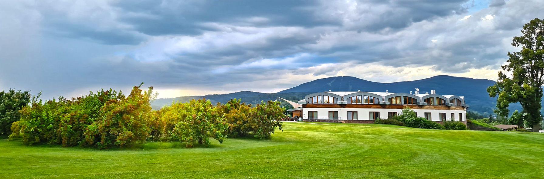 Letní relax s výlety a překrásným výhledem na Krkonoše