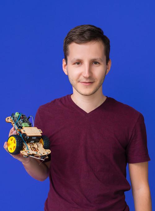 Zdjęcie na czerwonym tle Alexa