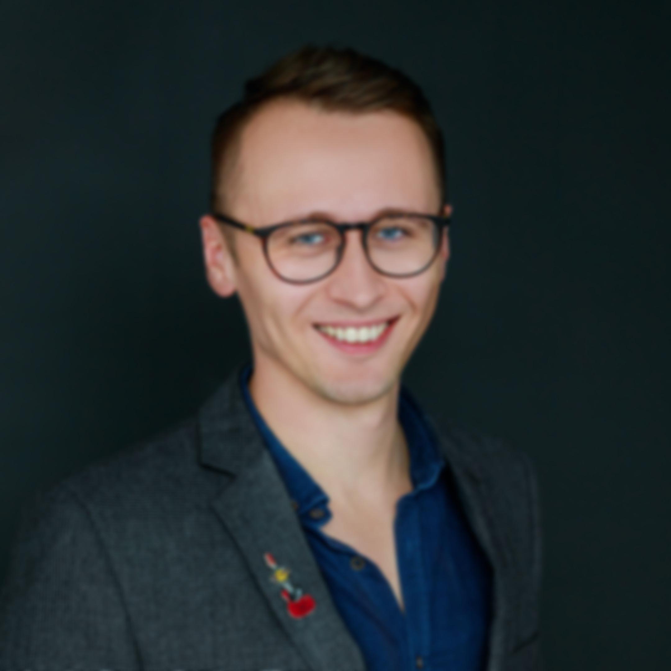 Zdjęcie na czarnym tle - Jakub Furman, Sales manager