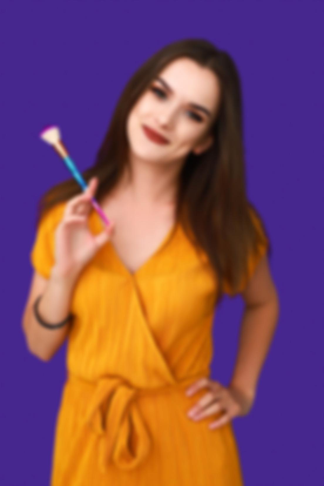 Zdjęcie na fioletowym tle Sylwii