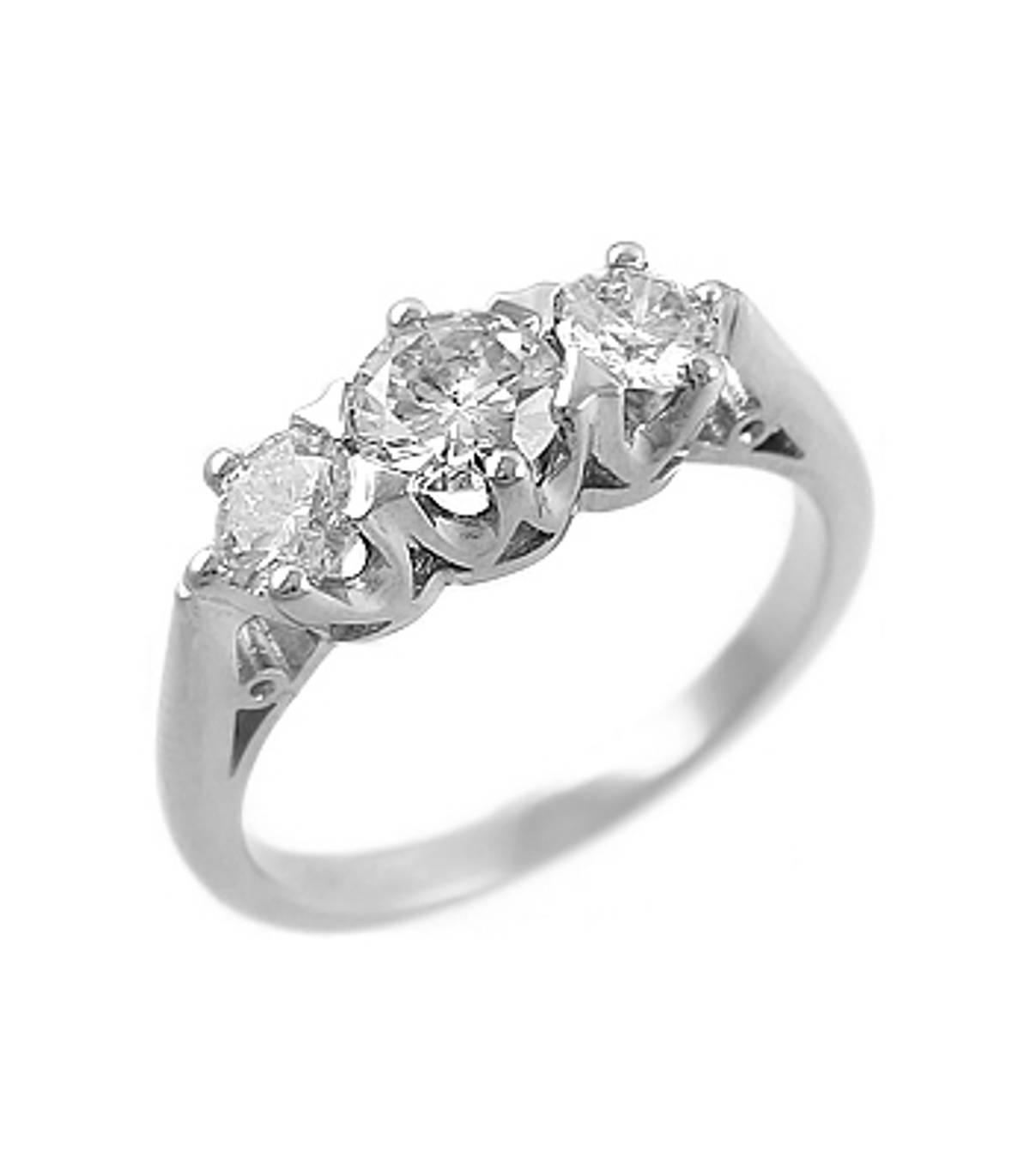 3 STONE DAIMOND RING Platinum 3st brilliant cut diamond graduated ringDETAILSCarat: centre diamond 0.40cts /side 2 diamonds total 0.60cts