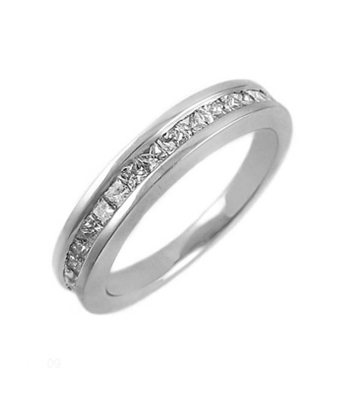18k white gold princess diamond channel set ring Carat: total diamond weight 1.14cts Metal: 18k white gold