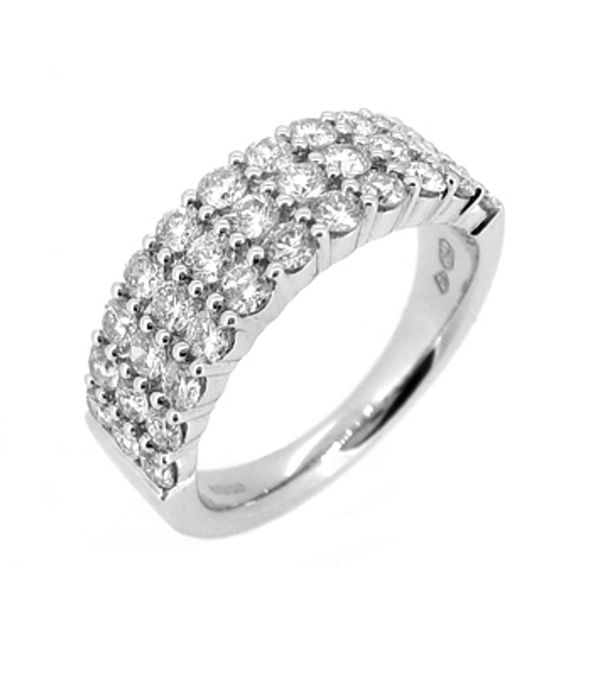 3 ROW DIAMOND FANCY RING 18k white gold 3 row diamond dress ringDETAILSCarat: total diamond weight 1.51ctsCut: Brilliant cutMetal: 18k white gold