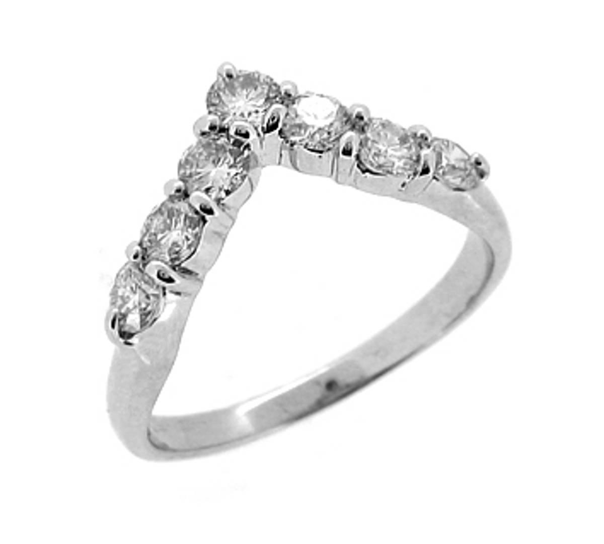 18k white gold 7st brilliant cut diamond wishbone ring Carat: total diamond weight 0.84cts Metal: 18k white gold