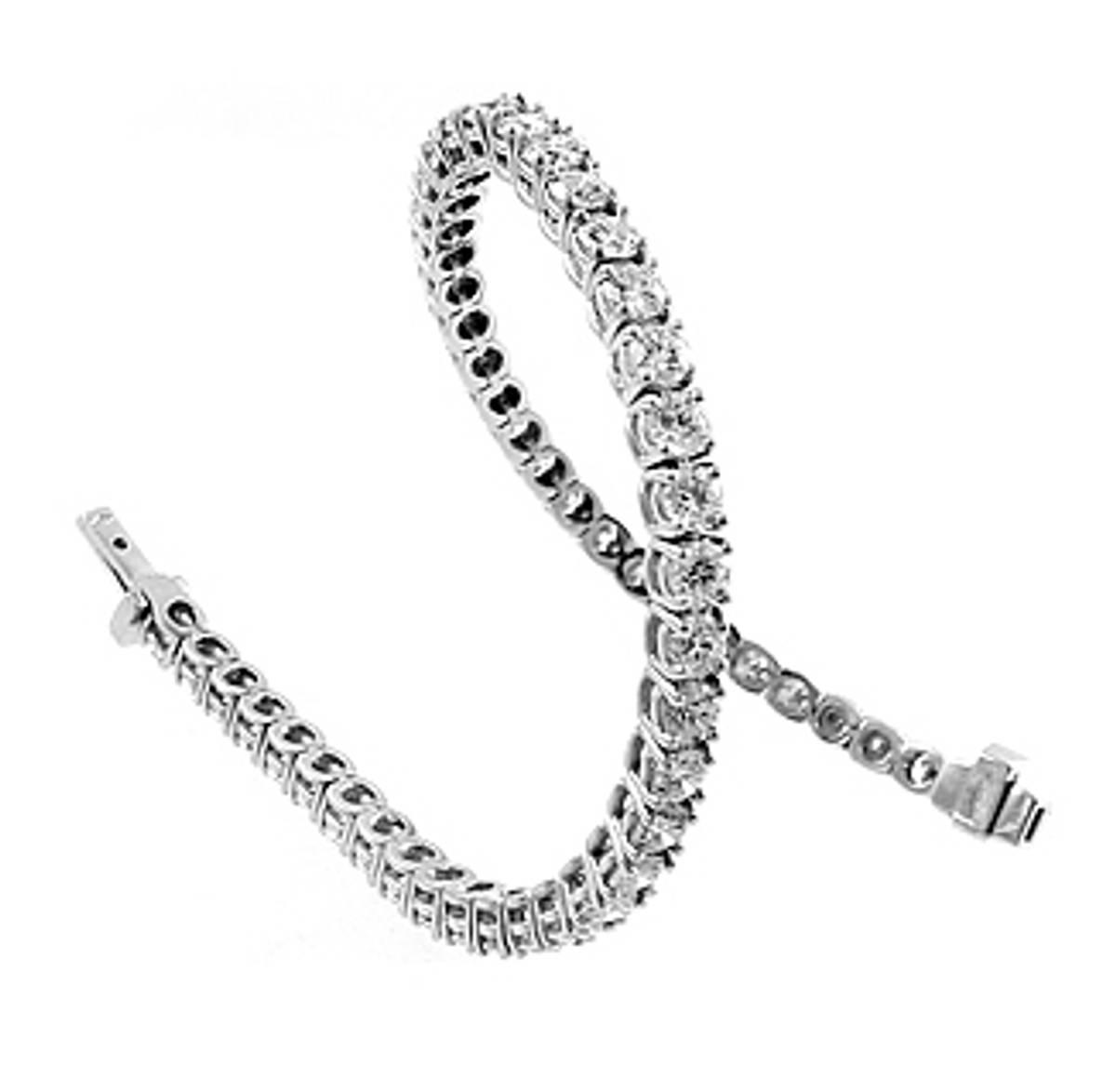 18k white gold brilliant cut diamond tennis bracelet Total diamond weight 6.03cts Made in Ireland