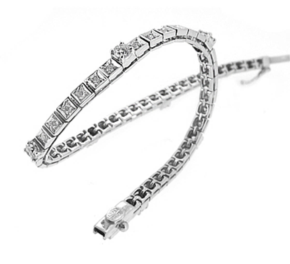 18k white gold brilliant cut diamond line braceletDETAILStotal diamond weight 1.95cts Made in the Ireland