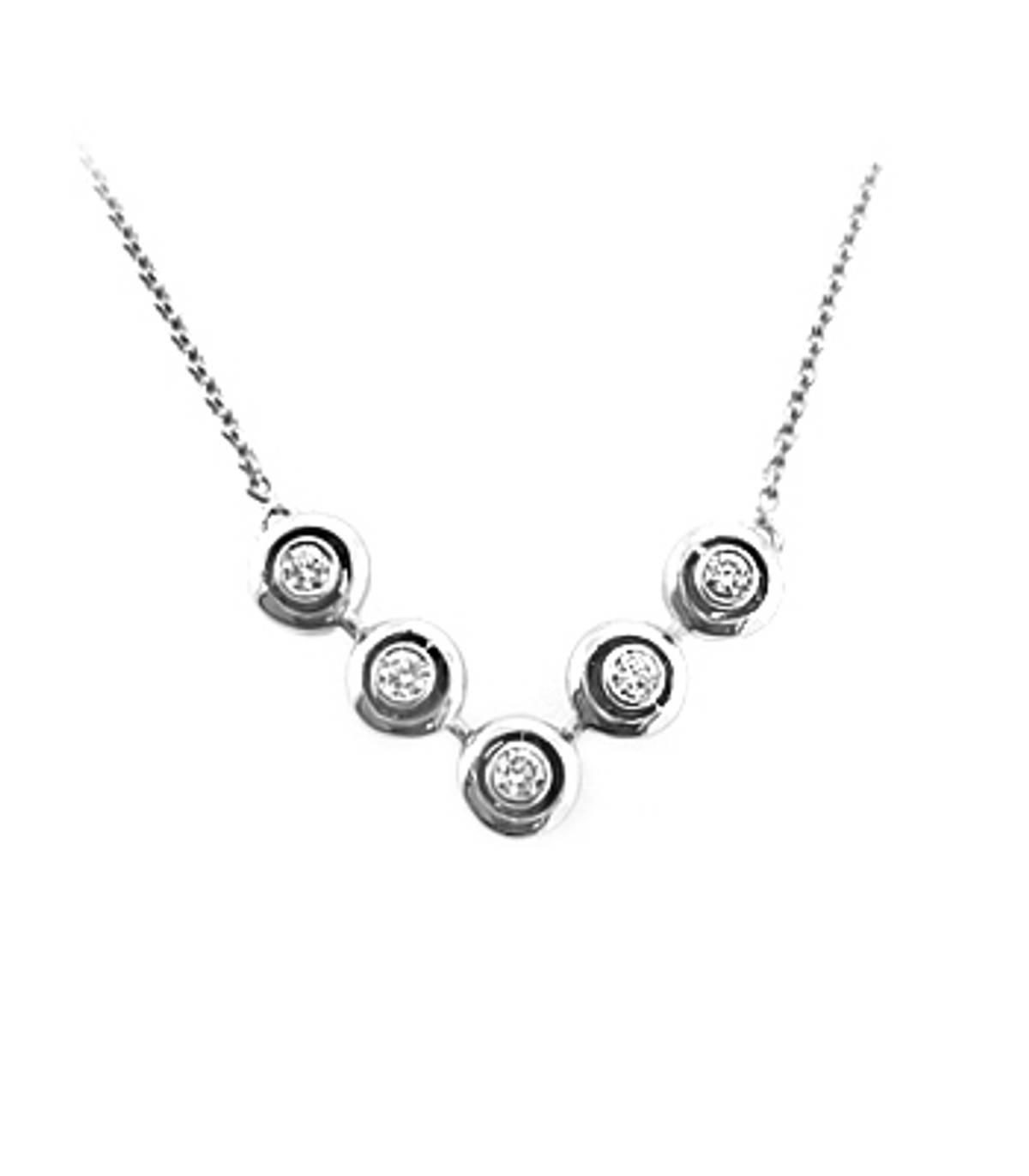 18k white gold 5st brilliant cut diamond rubover set necklaceDETAILSCarat: total diamond weight 0.22ctsCut: Brilliant cutMetal: 18k white gold SIZE & FITPendant length 1.4cmPendant width 2.4cmDrop  20cm