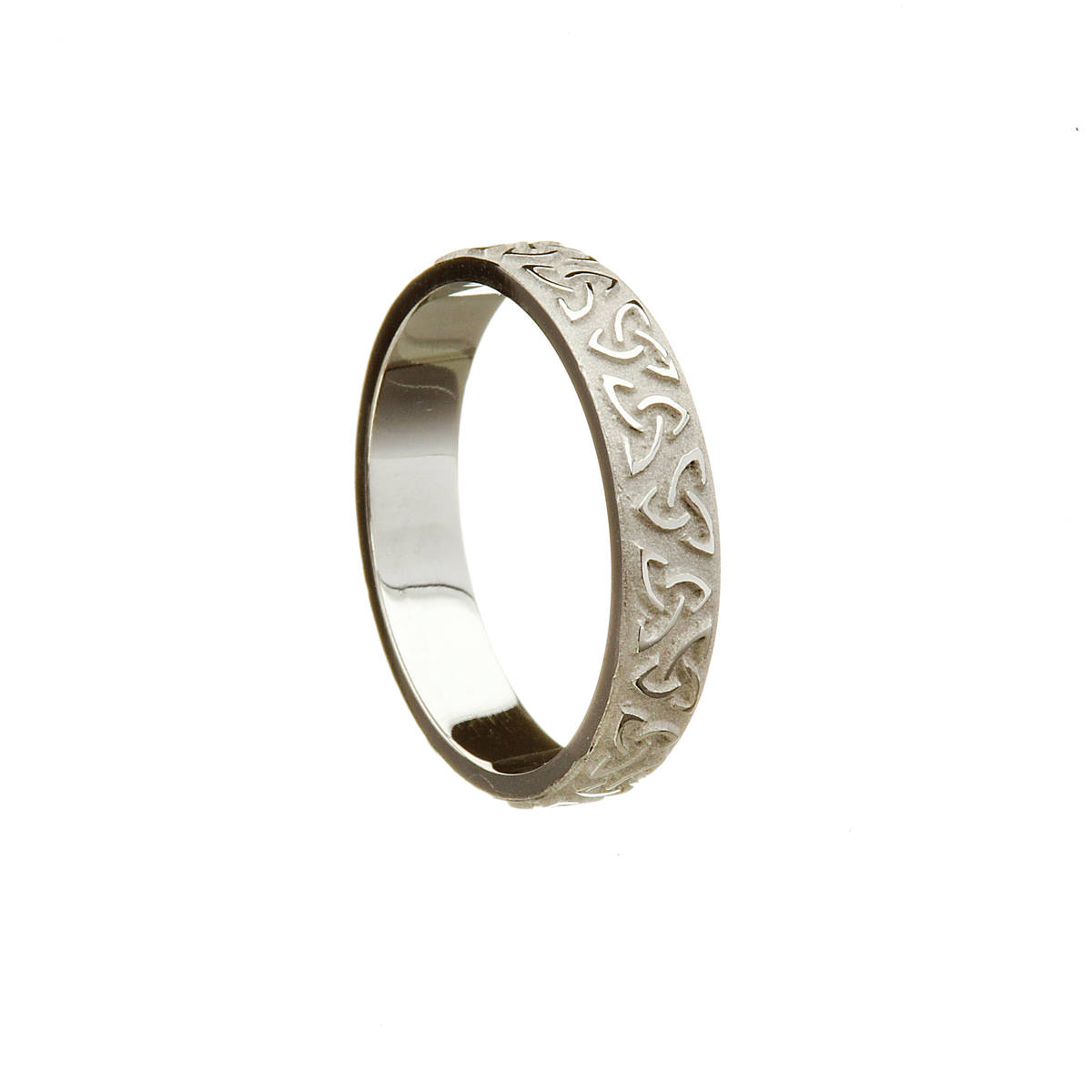 14ct white gold gents raised Trinity Knot wedding band.  Width: 4.7mm