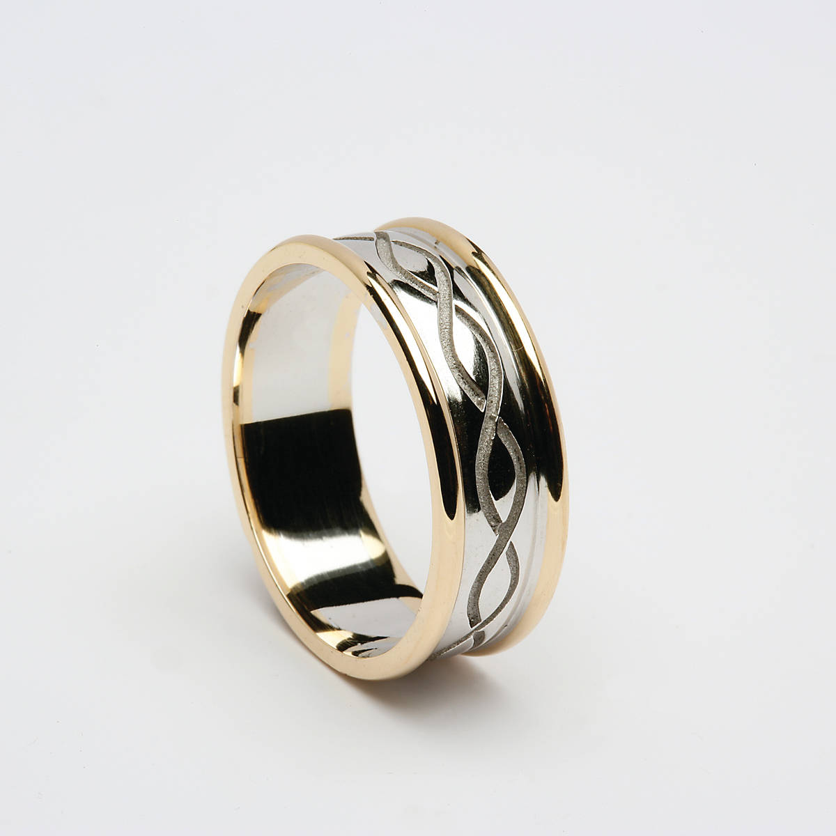 18 carat white gold man's two linesinterwoven ring with yellow gold rims.a beautifully crafted ring which is very comfortable to wear.