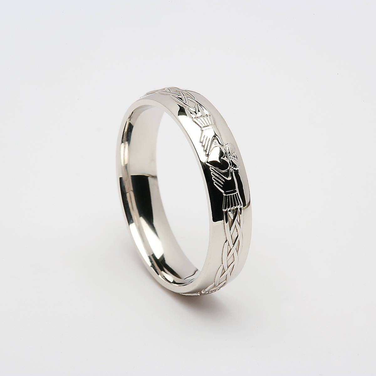 18 carat white gold unisex Claddagh wedding band in the D/shape.5.5mm approx