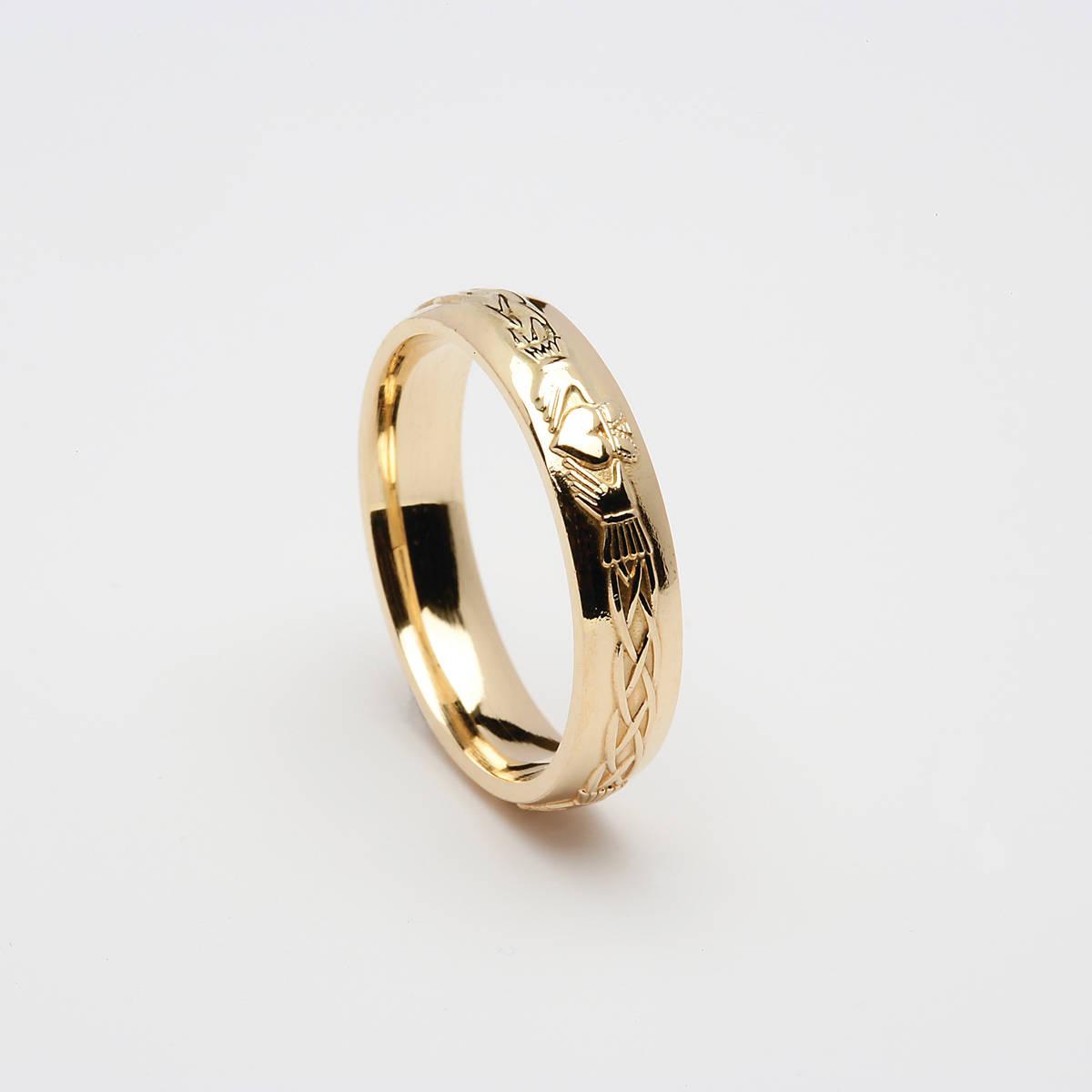 18ct yellow gold ladies/unisex Celtic Claddagh wedding band  Width: 4.5mm