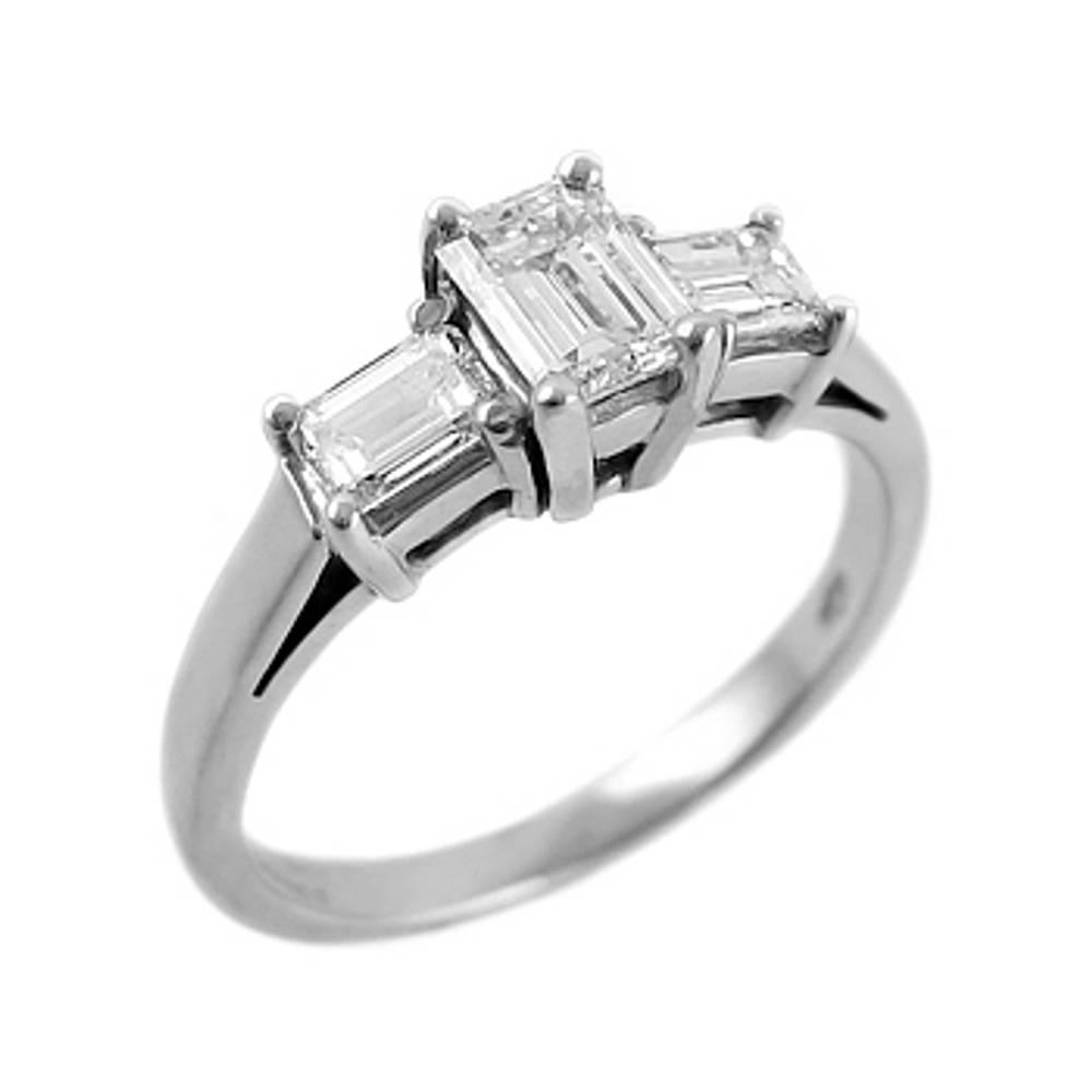3 STONE DIAMOND RING