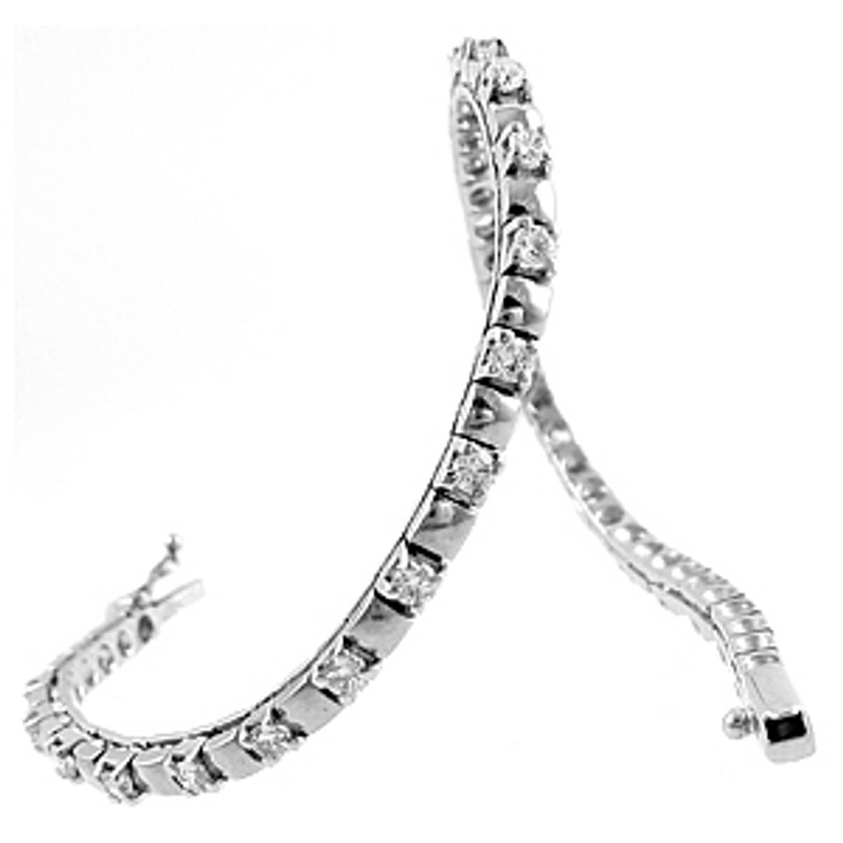 18 carat white gold line bracelet with 2.24cts diamonds