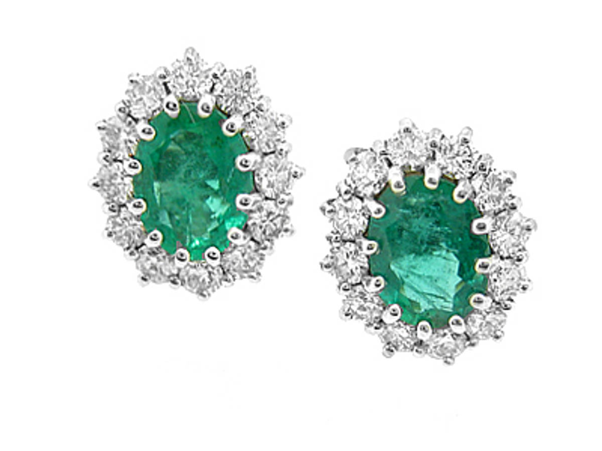 DE2782Oval emerald/diamond cluster 18ct white gold stud earrings