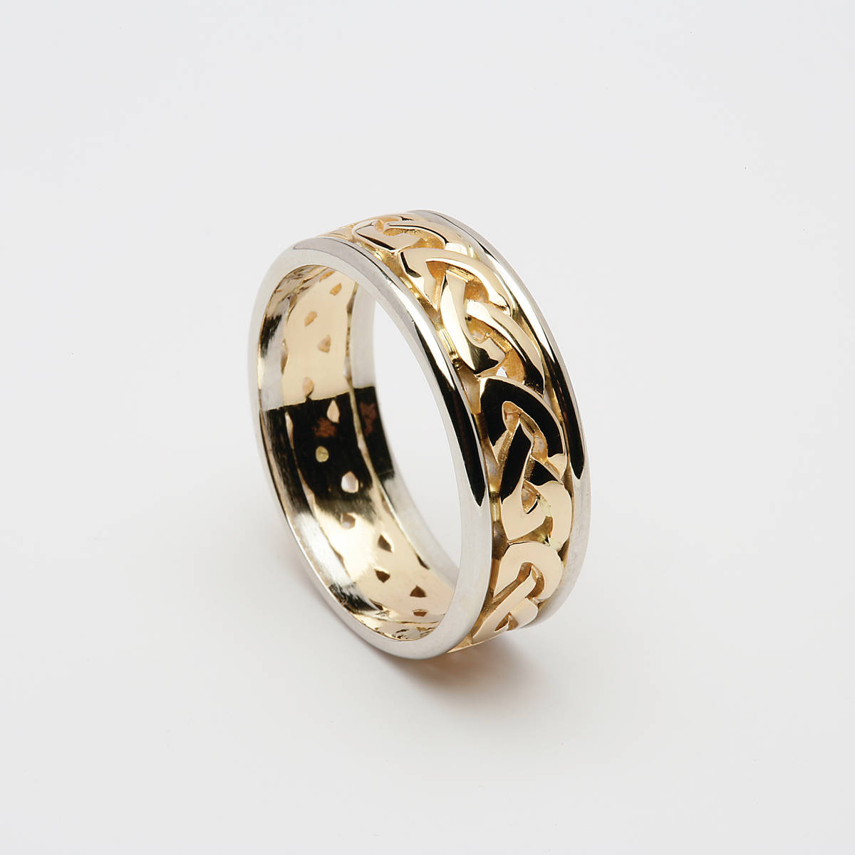 14 carat man's Celtic eternity ring in yellow gold with white gold rims
