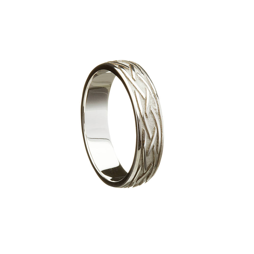 18 carat man's white gold 3 line entwined ring