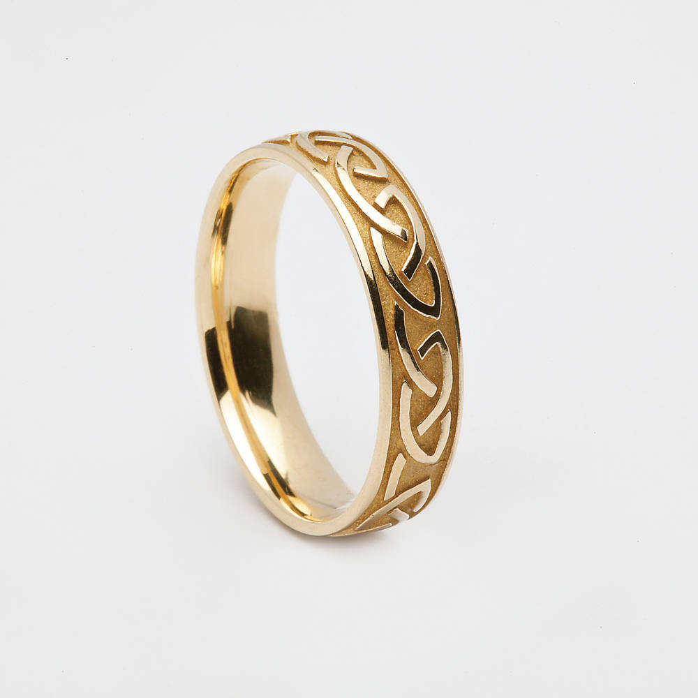 10 carat yellow gold man's Celtic love knot ring